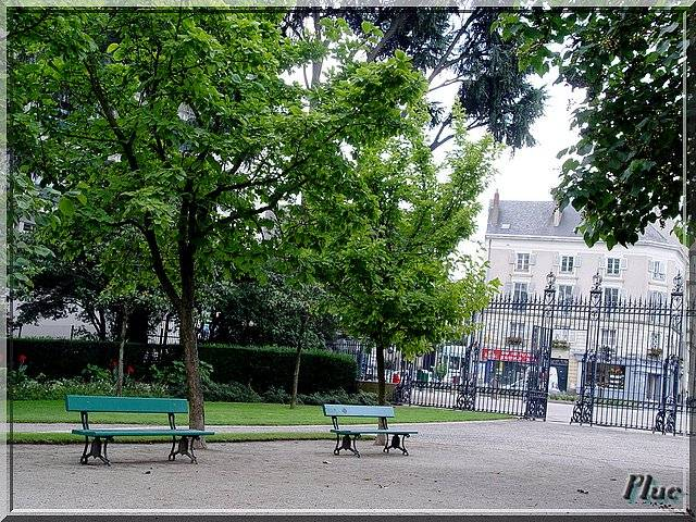Bancs publics d 39 angers maine et loire - Maison de jardin smoby angers ...