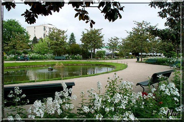 Jardin botanique de tours ses fleurs ses bancs for Jardin botanique tours